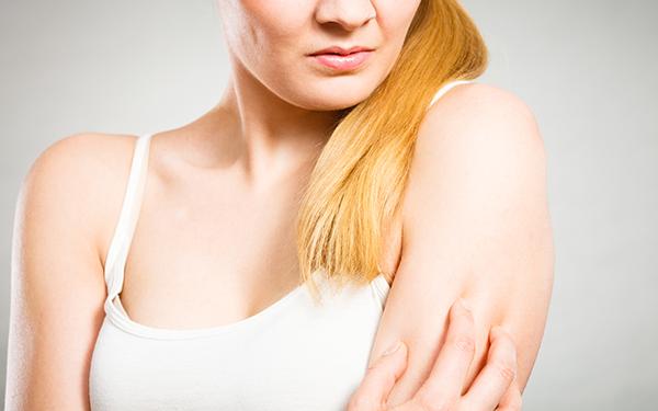 ATOPOWE ZAPALENIE SKÓRY: przyczyny, objawy i leczenie