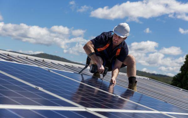 Odnawialne źródła energii: postaw na ekologię