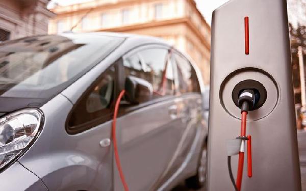 Samochody elektryczne – pojazdy (niedalekiej) przyszłości